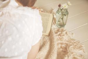 book-girl-reading-vintage-writer-Favim.com-47239