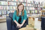 """Entrevista a Sofía Segovia, autora de """"El murmullo de las abejas""""."""