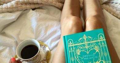 """""""Cuando leo gran literatura me convierto en mil personas diferentes sin dejar de ser yo mismo"""" C S Lewis"""