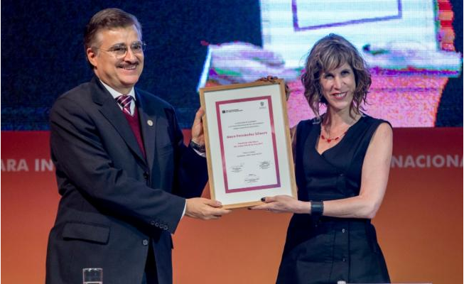Nona Fernández recibió el Premio Sor Juana Inés de la Cruz